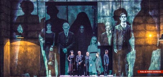 Sei-personaggi-in-cerca-d'autore-regia-Luca-De-Fusco-foto-Fabio-Donato