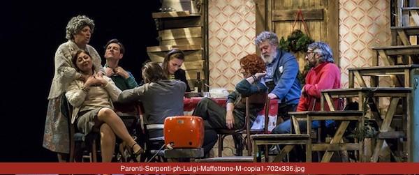 PARENTI SERPENTI regia di Luciano Melchionna