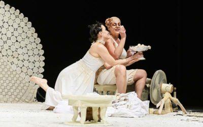 LE ALLEGRE COMARI DI WINDSOR di William Shakespeare, adattamento di Edoardo Erba, regia di Serena Sinigaglia